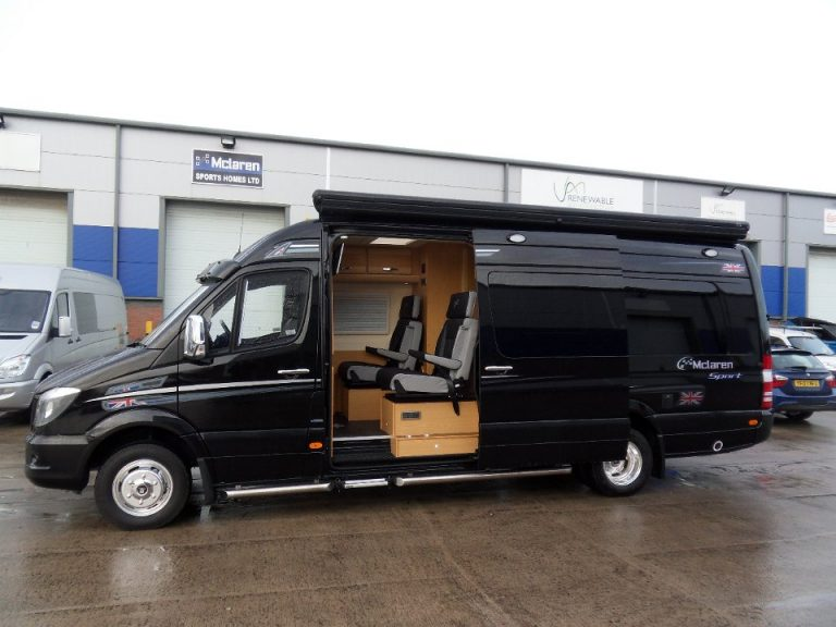 Twin wheel black sprinter exterior