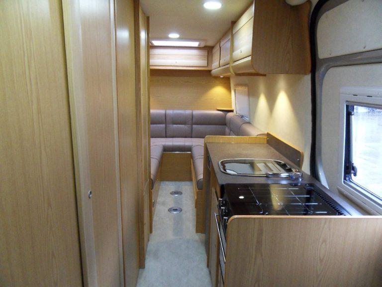 2 berth interior